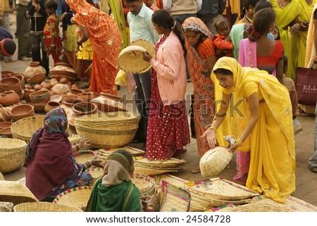 ORCHHA, INDIA - JAN 14: Crowded market during a Hindu festival on January 14, 2009 at Orchha, Madhya Pradesh, India. - stock photo