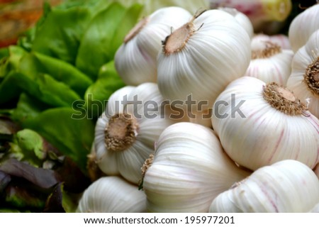 Organic garlic whole and cloves