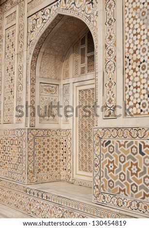 Ornate white marble Mughal tomb (I'timad-ud-Daulah). 17th Century AD. Agra, Uttar Pradesh, India