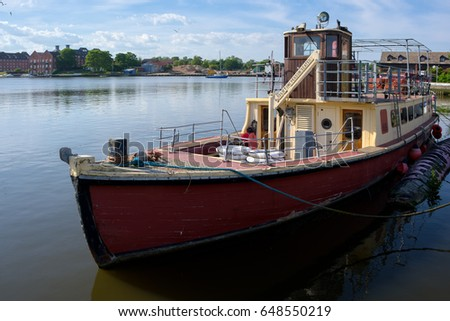 OULTON, NORFOLK/UK - MAY 23 : Traditional Tourist Boat Moored on Oulton Broad in Oulton Norfolk on May 23, 2017