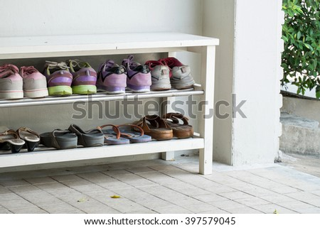 Perfect Outdoor Shoe Rack And 8 Pairs Of Visitor Shoes