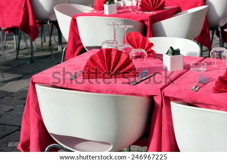 Outdoor tables of a restaurant in Venice
