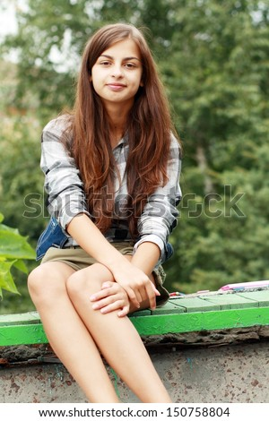 outdoors Young brunette teen
