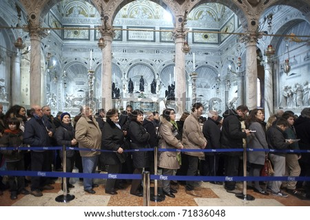 PADUA, ITALY - FEB 16: The exposure of the body of St.Anthony in the Basilica of Saint,the crowd of faithful in the basilica waiting to visit the Saint's body on February 16, 2010 in Padua,Italy