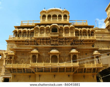 """Palace of the Maharajah in Jaisalmer, the magnificent """"Golden City"""" in the heart of Rajasthan (India), surrounded by the desert of Thar - stock photo"""