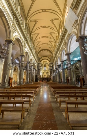 PALERMO, ITALY - OCTOBER 21, 2014: Interior of Church of St. Dominic in Palermo. It was first erected in baroque style in 15th century but then was completely reconstructed in the mid 17th century.