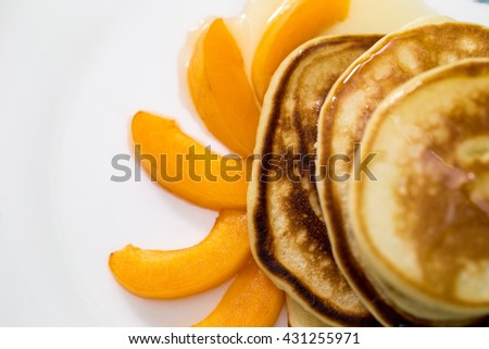 pancakes with honey and apricot