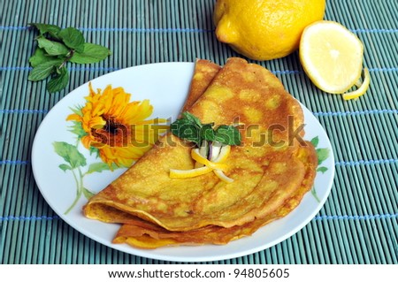 Pancakes with lemon and mint