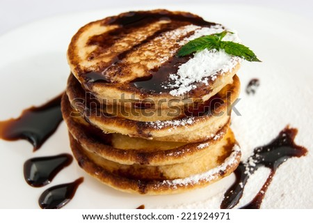 pancakes with syrup