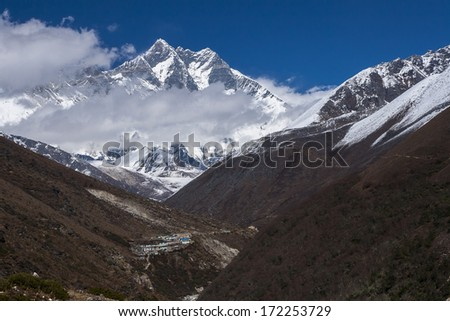 PANGBOCHE, NEPAL - CIRCA OCTOBER 2013: view of the Lhotse circa October 2013 in Pangboche.