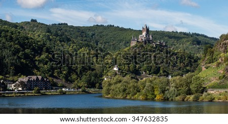 Panoramic view over the Mosel river and the Cochem Reichsburg (Imperial castle), Rhineland-Palatinate, Germany