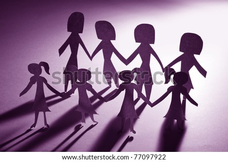 Paper Chain girls and mama, concept of Teamwork