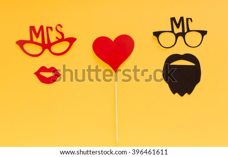 Paper people together in love - stock photo