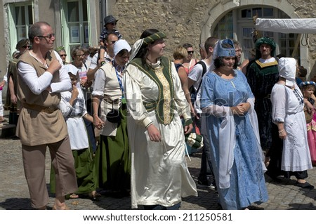 PARCE SUR SARTHE , FRANCE - AUGUST 16: Actors of the first medieval festival in the city  August 16, 2014
