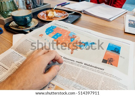 Paris France Nov 10 2016 Us Map Election Results Man Reading