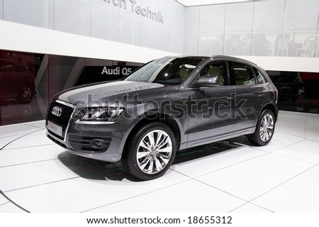 PARIS, FRANCE - OCTOBER 02: Paris Motor Show on October 02, 2008, showing Audi Q5, front view - stock photo