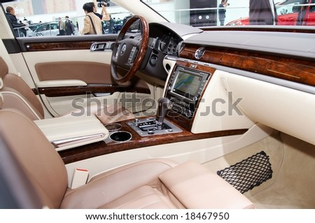 PARIS, FRANCE - OCTOBER 02: Paris Motor Show on October 02, 2008, showing Volkswagen Phaeton, interior view - stock photo