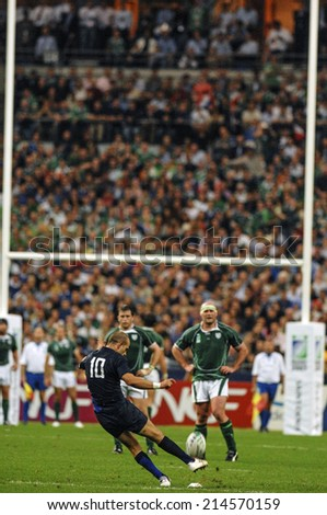 PARIS, FRANCE-SEPTEMBER 22, 2007: french player frederic michalak kicks a penalty during the match France vs Ireland, of the Rugby World Cup 2007, in Paris.