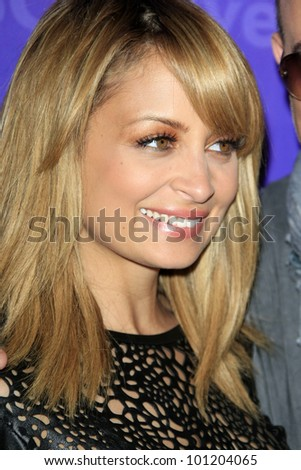 PASADENA - APR 18:  Nicole Richie arrives at the NBCUniversal Summer Press Day at The Langham Huntington Hotel on April 18, 2012 in Pasadena, CA