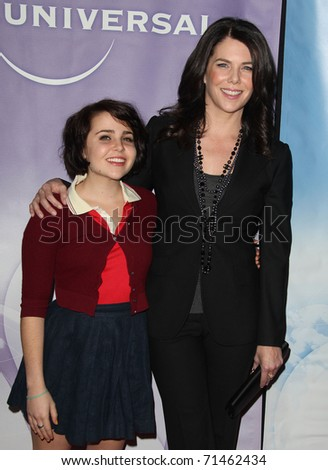 PASADENA, CA - JAN 13:  Mae Whitman & Lauren Graham arrive at the NBC All-Star Party on January 13, 2011 in Pasadena, CA