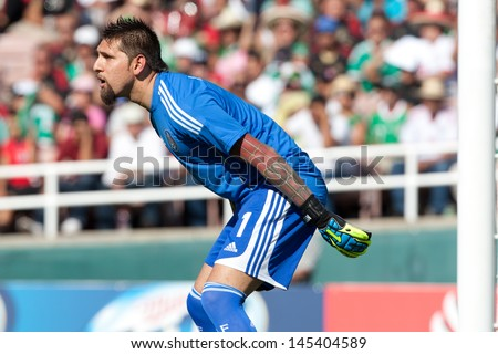 PASADENA, CA - JULY 7: Jonathan Orozco #1 of Mexico during the 2013 CONCACAF Gold Cup game between Mexico and Panama on July 7, 2013 at the Rose Bowl in Pasadena, Ca. - stock photo