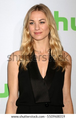 PASADENA - JAN 7:  Yvonne Strahovski at the HULU TCA Winter 2017 Photo Call at the Langham Hotel on January 7, 2015 in Pasadena, CA