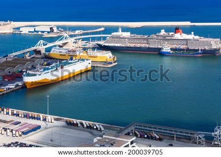passenger ships and ferries in the seaport