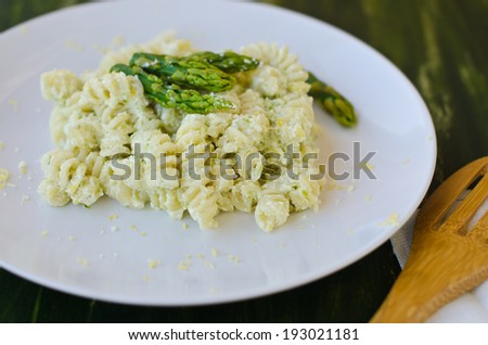 pasta with asparagus and ricotta
