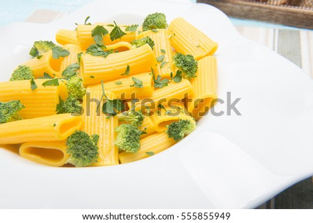 pasta with broccoli macaronis