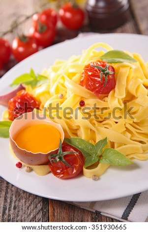 pasta with egg and basil