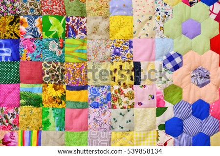 Rentner stricken Pullover für Hühner Stock-photo-patchwork-quilt-part-of-patchwork-quilt-as-background-flower-print-color-blanket-in-style-539858134