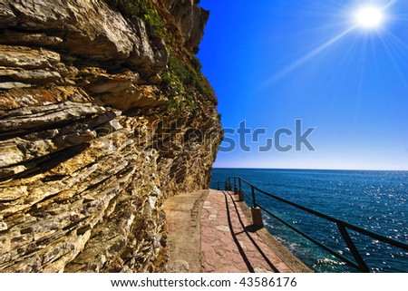Path to the beautiful adriatic beach