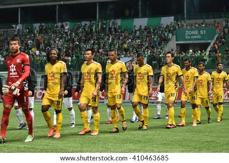 PATHUM THANI,THAILAND-MAR 6:Players of Osotspa M-150 pose during Thai Premier League 2016 between Bangkok Glass FC.and Osotspa M-150 at Leo Stadium on March 6,2016 in PathumThani,Thailand - stock photo