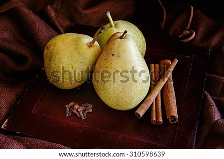 Pears And Spices