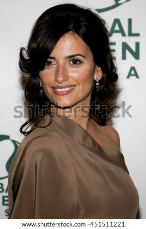 Penelope Cruz at the Global Green USA Pre-Oscar Celebration to Benefit Global Warming held at the Avalon in Hollywood, USA on February 21, 2007. - stock photo