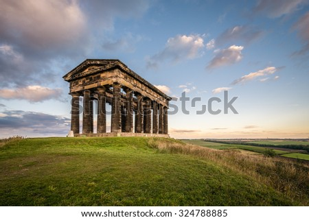 Penshaw Monument dominates Wearside Skyline / Penshaw Monument a copy of the Greek Temple of Hephaestus in Athens. Erected in 1844 the folly stands 20 metres high and dominates the skyline of Wearside - stock photo