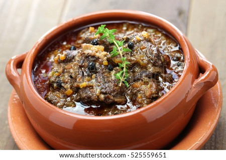 peposo, tuscan peppered beef stew, traditional italian cuisine