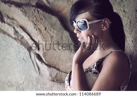 Perfect fashionable lady wearing sunglasses - stock photo