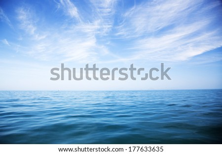 perfect sky and water of ocean