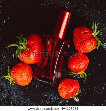 perfume with the scent of strawberries