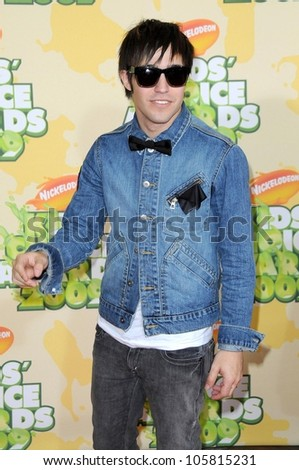 Pete Wentz  at Nickelodeon's 2009 Kids' Choice Awards. Pauly Pavillion, Westwood, CA. 03-29-09