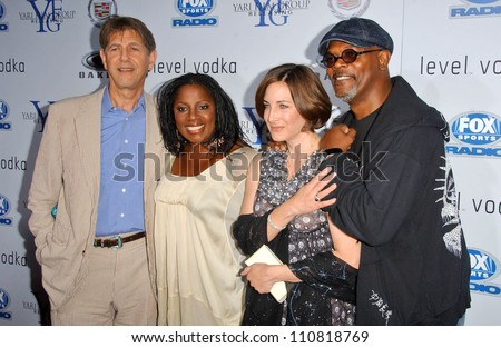 """Peter Coyote and friend with LaTanya Richardson and Samuel L Jackson at the Los Angeles Premiere of """"Resurrecting The Champ"""". Samuel Goldwyn Theater, Beverly Hills, CA. 08-22-07 - stock photo"""