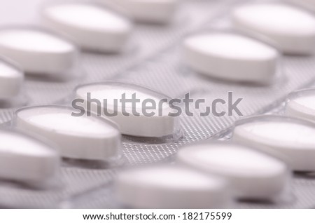 Pharmaceutical foil of white pills