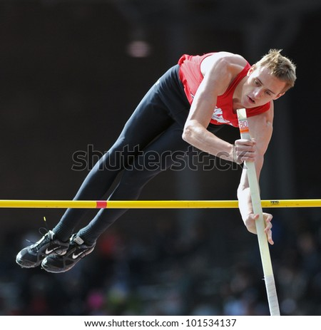 PHILADELPHIA - APRIL 28: Austin Miller from Herndon HS competes in the boys high school pole vault championship at the Penn Relays April 28, 2012 in Philadelphia.