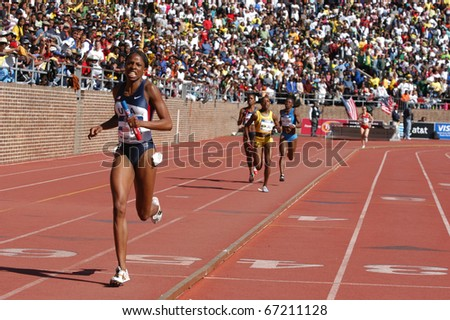PHILADELPHIA, PA - APRIL 29: Hazel Clark runs the 800-meter anchor on April 29, 2006 in Philadelphia, she runs on USA Blue women's sprint medley on that set a world record of 3:37.16 in the 112th Penn Relays