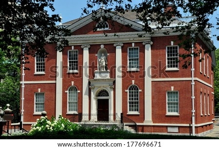 Philadelphia, PA - June 25, 2013:  Statue of Benjamin Frankling stands in a niche above the doorway of the Franklin Institute in Independence National Park - stock photo