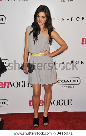 Phoebe Tonkin at the 9th Annual Teen Vogue Young Hollywood Party at Paramount Studios, Hollywood. September 23, 2011  Los Angeles, CA Picture: Paul Smith / Featureflash