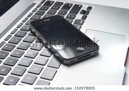 Phone on the keyborad