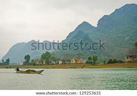 Phong Nha-K? B�ng National Park, Vietnam - mountain landscape with river - stock photo