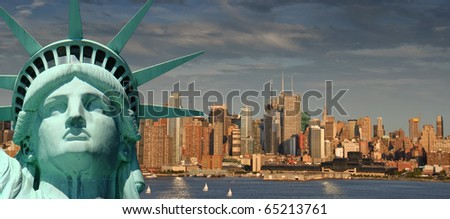 photo beautiful tourism travel concept for new york city. statue of liberty head from new york over looking new york manhattan skyline.